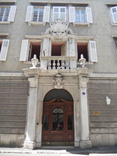 Palazzo Brigido, via Pozzo del Mare